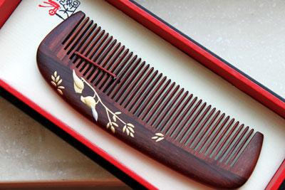 Combs of Carpenter Tan