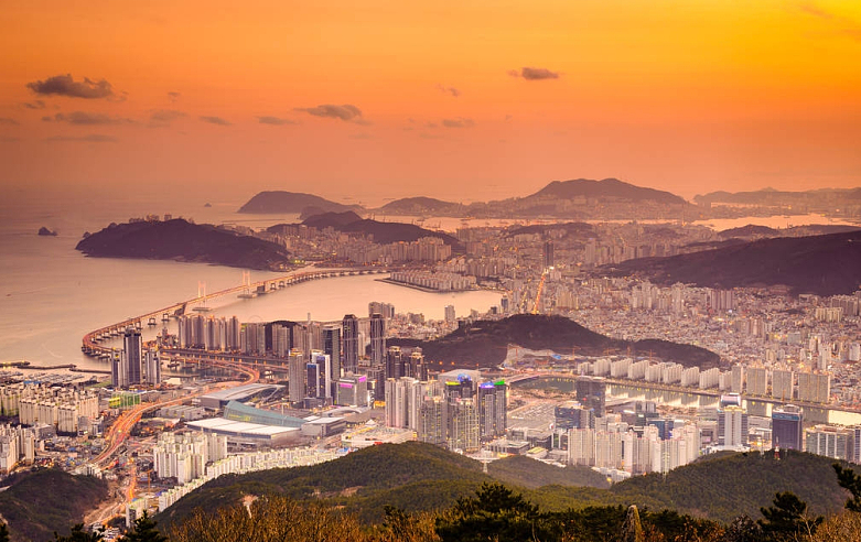 Busan: Enjoy Your Leisure Time Between Mountains and Seas