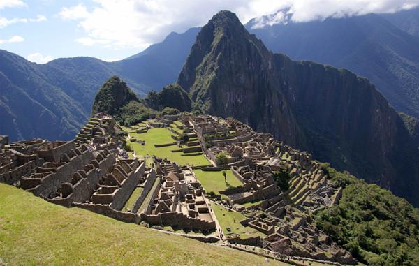 马丘比丘:屹立山巅的印加古城